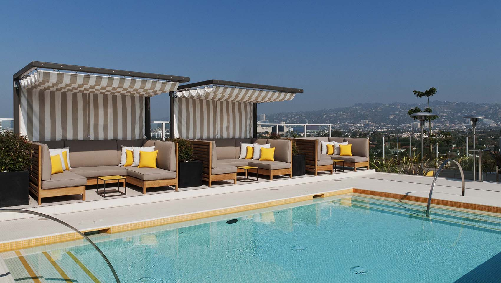 hotel wilshire roof top pool deck