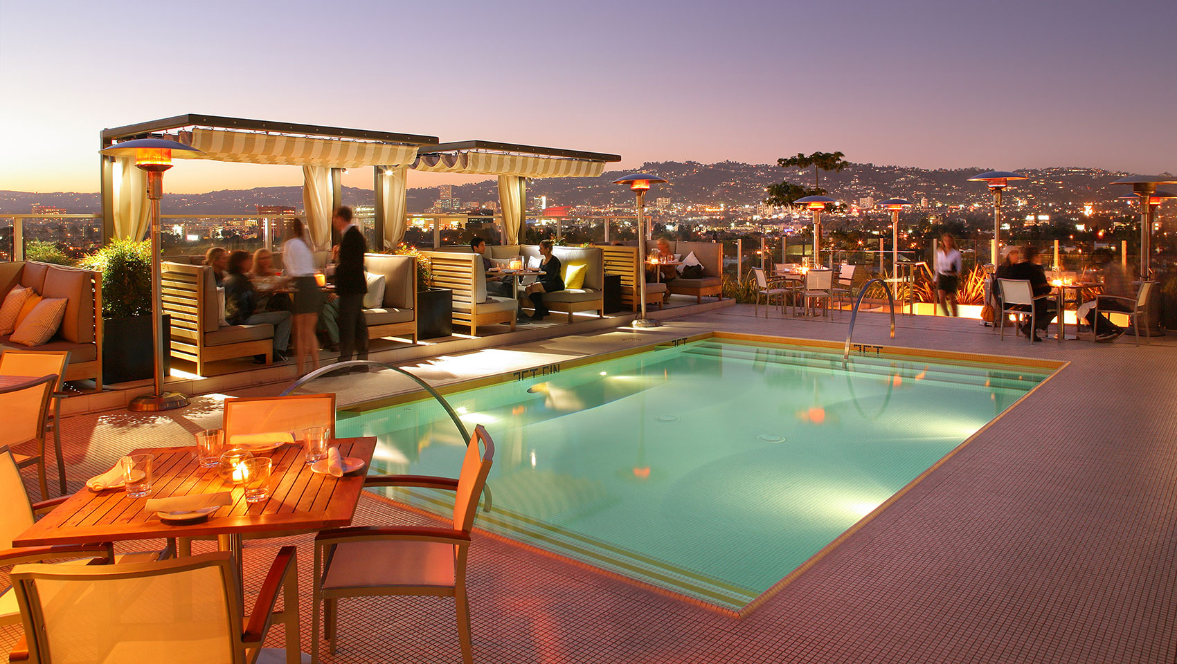 Kimpton Hotel Wilshire pool deck at night