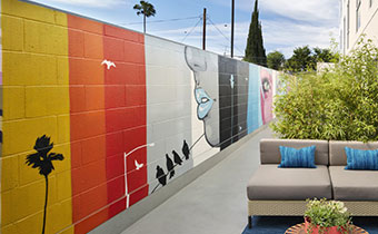 kimpton los angeles hotel wilshire premier patio guest room outdoor patio