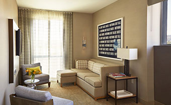 kimpton los angeles hotel wilshire santa monica one bedroom suite living space